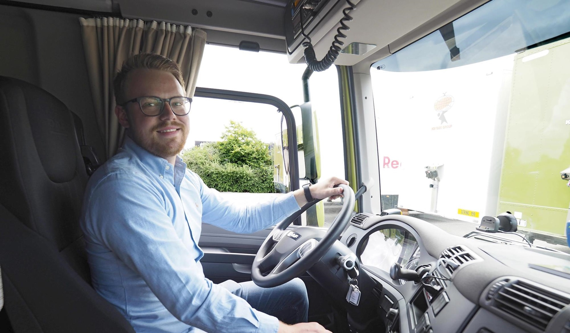 DAF-Connect-Bas-Keybek-van-Gering Meubeltransport-03